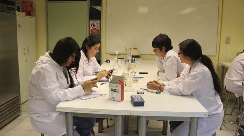 Los Futuros Científicos de Chile en laboratorio de Biotecnología La Serena